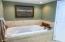 3278 SW Beach Ave, Lincoln City, OR 97367 - Upstairs bath