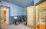710 N Bay Blvd, Toledo, OR 97391 - Sink for the 1/2 bathroom
