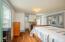 710 N Bay Blvd, Toledo, OR 97391 - Upstairs bedrm #1