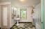 710 N Bay Blvd, Toledo, OR 97391 - Master bedroom w? built in cabinets