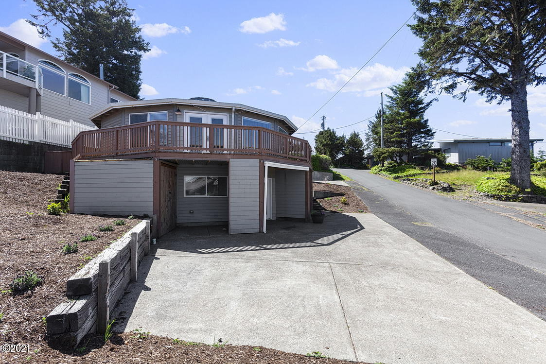 510 SW Coast Ave A And B, Depoe Bay, OR 97341