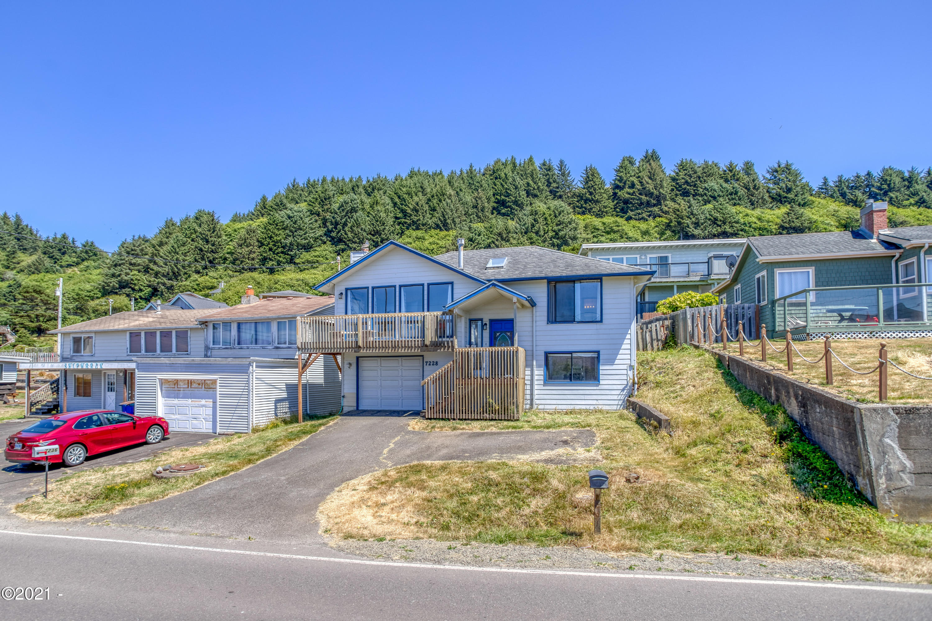 7228 NE Logan Rd, Lincoln City, OR 97367 - Front Exterior View