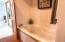4125 NE C Ave, Neotsu, OR 97364 - Upstairs Master bath