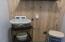1435 NE Wagon Rd, Toledo, OR 97391 - Main floor laundry hookups