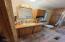 955 NE Mill St, B4, Waldport, OR 97394 - Master bath