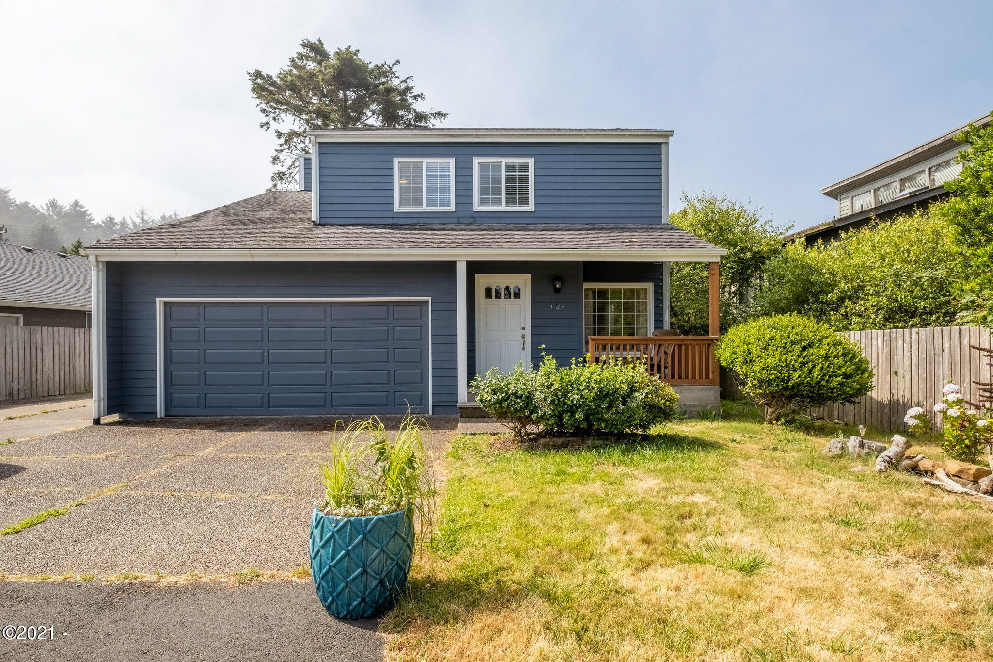 420 SW South Point St, Depoe Bay, OR 97341 - Front of house