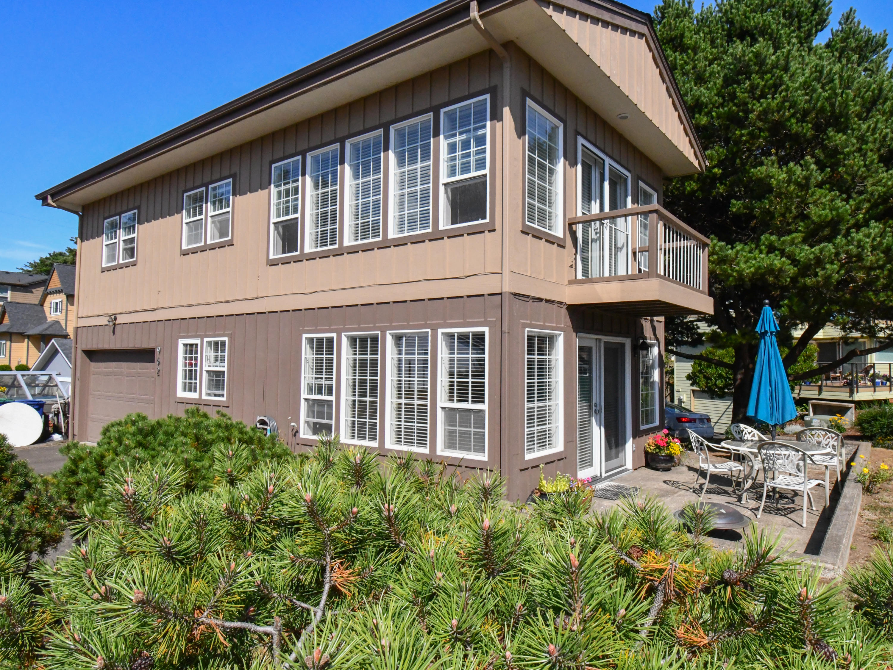 962 SW Ebb Ave, Lincoln City, OR 97367 - 962 SW Ebb Ave