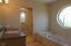 954 SW Bay View Ln, Newport, OR 97365 - Bath 1