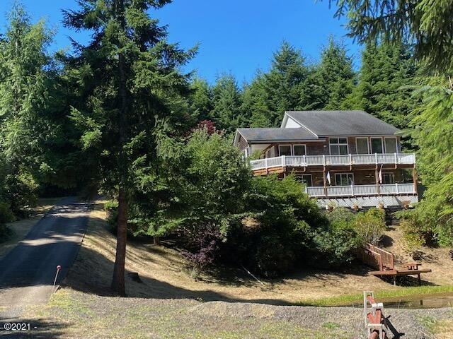1860 SE Keiski Ln, Waldport, OR 97394 - Front View From Driveway