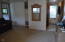 704 SE Quay Ave, Lincoln City, OR 97367 - Living room