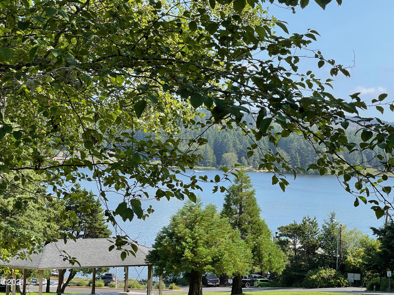 TL9500 NE Regatta Way, Lincoln City, OR 97367 - Lake View