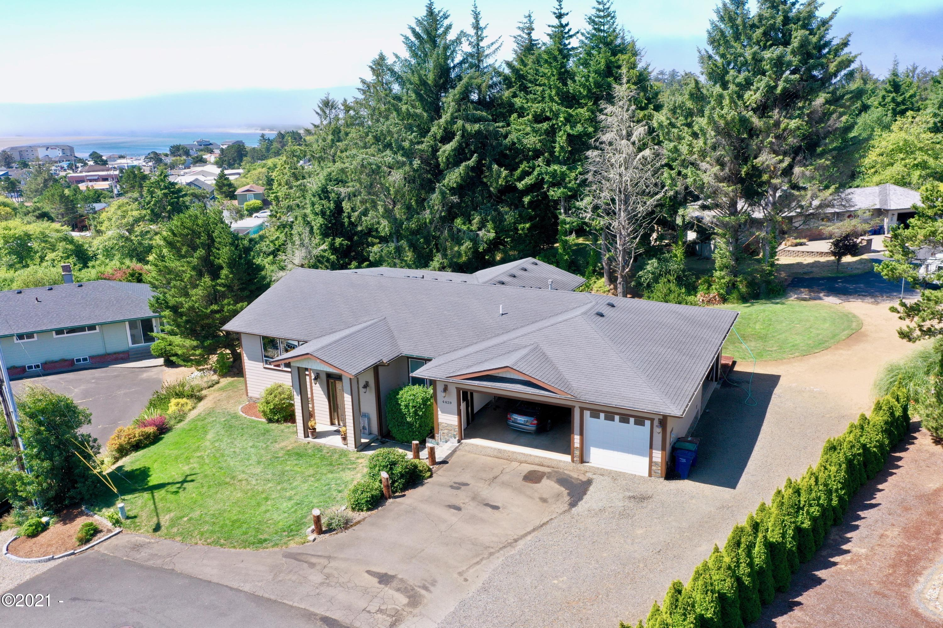 4429 SE Jetty Ave, Lincoln City, OR 97367 - Front aerial