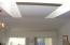 86 NW 33rd Pl, B, Newport, OR 97365 - Liv rm skylights