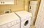 2612 SW Brant St, Newport, OR 97366 - Laundry