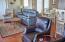 2612 SW Brant St, Newport, OR 97366 - Living Room