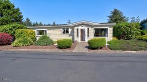 3446 NE Coos St, Newport, OR 97365 - IMG_7435_6_7