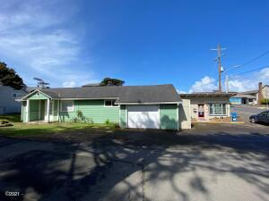 2031&2035 NW Jetty Ave., Lincoln City, OR 97367 - Exterior