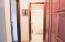1420 SW Crest Cir, Waldport, OR 97394 - Upstairs Guest Bthrm