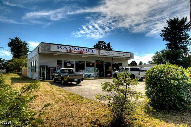 2209 NW Bayshore Dr, Waldport, OR 97394