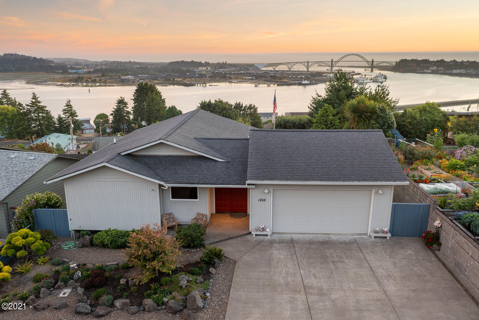 1266 SE Wade Way, Newport, OR 97365 - East side of Home