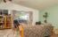 1415 Nw Lake Street, Newport, OR 97365 - Living room