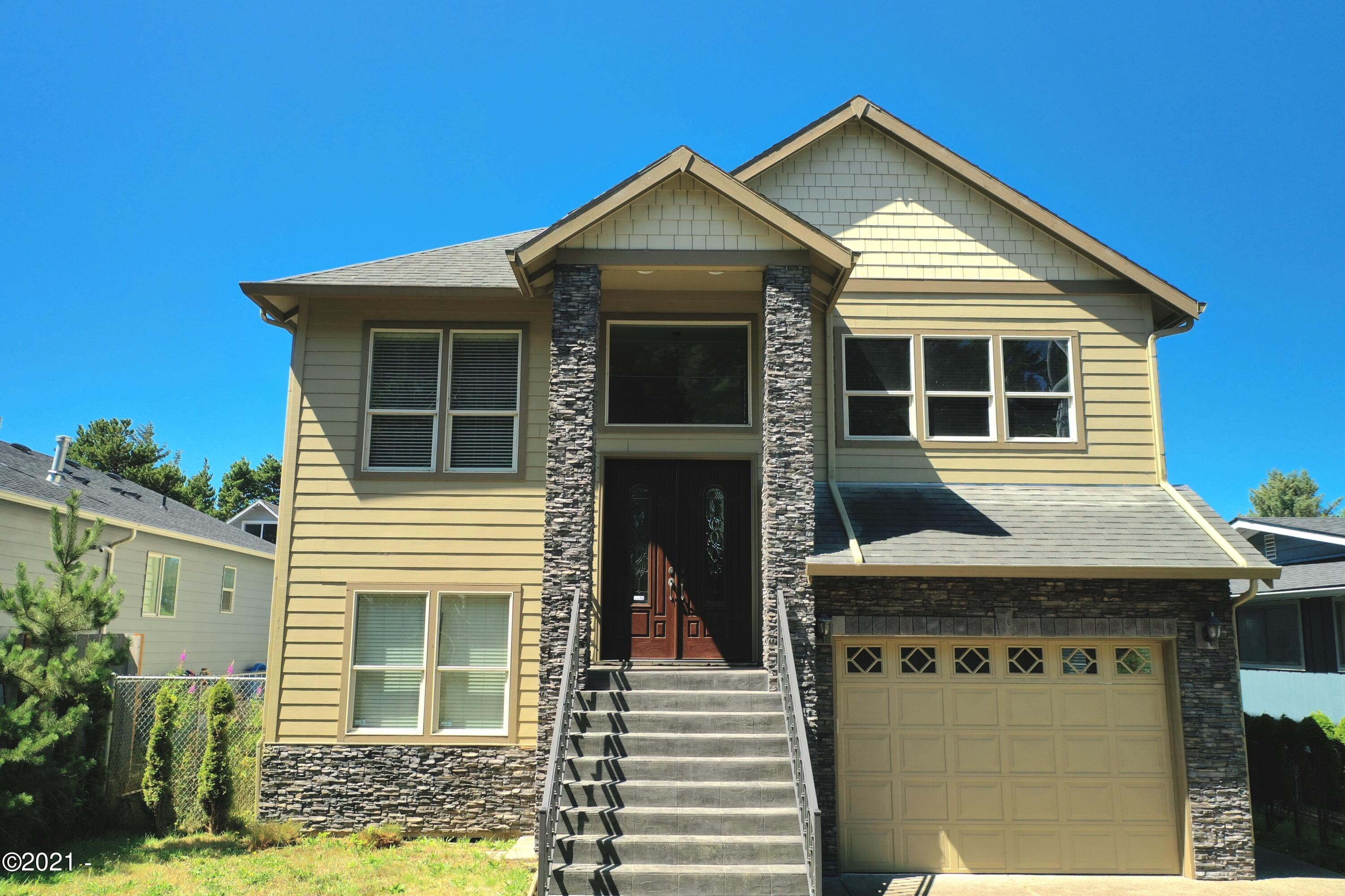 703 SE Keel Ave, Lincoln City, OR 97367 - Primary