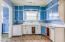151 SE Cedar St, Toledo, OR 97391 - Kitchen