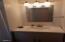 4875 N Hwy 101, 93, Depoe Bay, OR 97341 - Bathroom