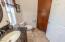 9516 Siletz Hwy, Lincoln City, OR 97367 - Owners Bathroom
