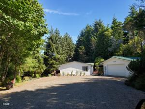459 SE 130th Dr, South Beach, OR 97366 - Front view