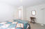 5960 La Plaza Pl, Lincoln City, OR 97367 - Guest room 3