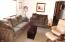 5405 NW Pacific Coast Hwy, 6, Waldport, OR 97394 - Living Room