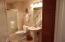 720 SW 6th St., 304 E, Newport, OR 97365 - Common Bath