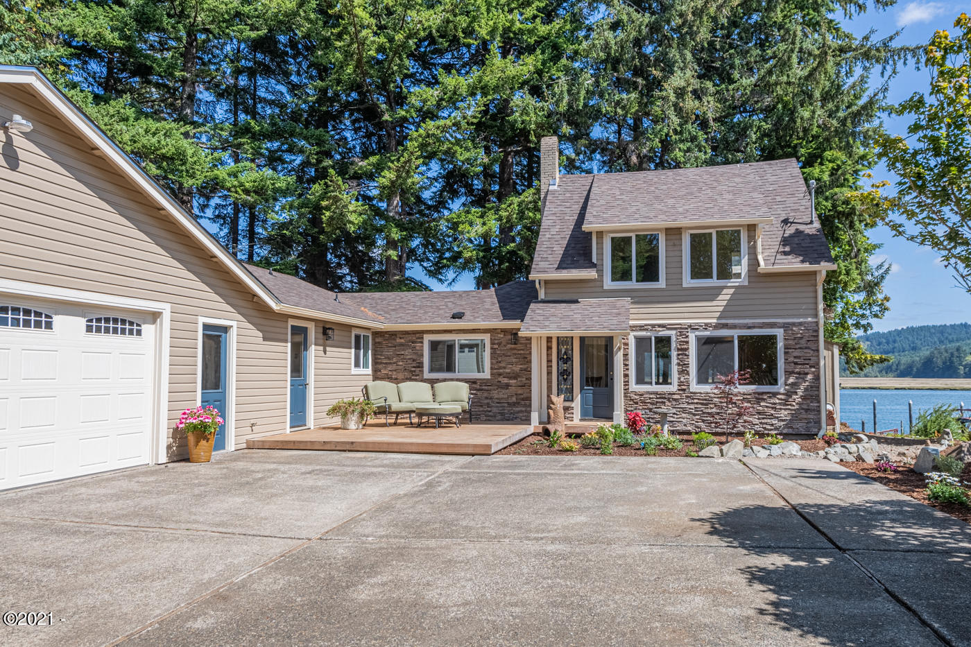 400 SE Gibson Rd, Waldport, OR 97394