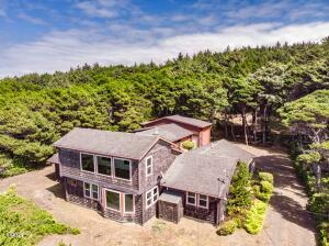 3333 SW Pacific Coast Hwy, Waldport, OR 97394 - Exterior