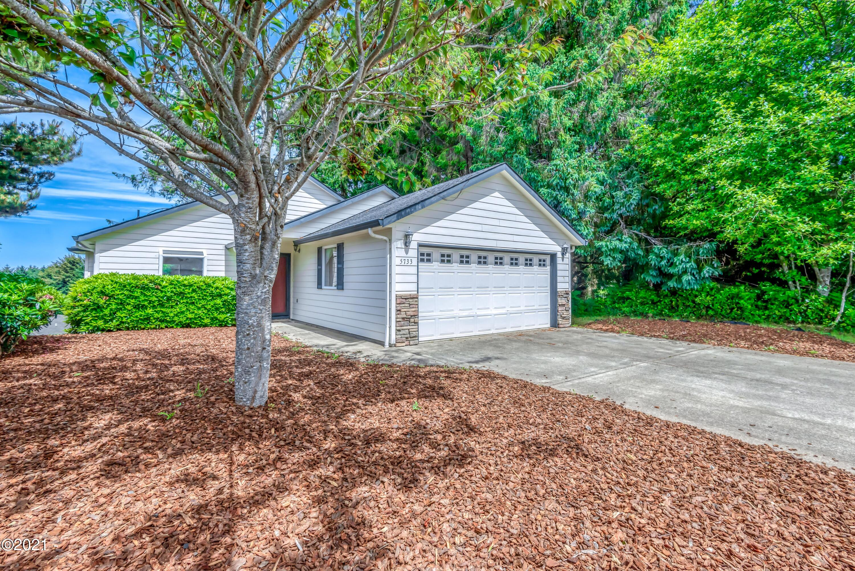 5733 NE Voyage Ave, Lincoln City, OR 97367