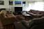 1550 SW Forest Pkwy, Waldport, OR 97394 - living room