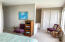 637 SW 37th Pl, Lincoln City, OR 97367 - Master bed into bath