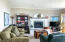 637 SW 37th Pl, Lincoln City, OR 97367 - Living room