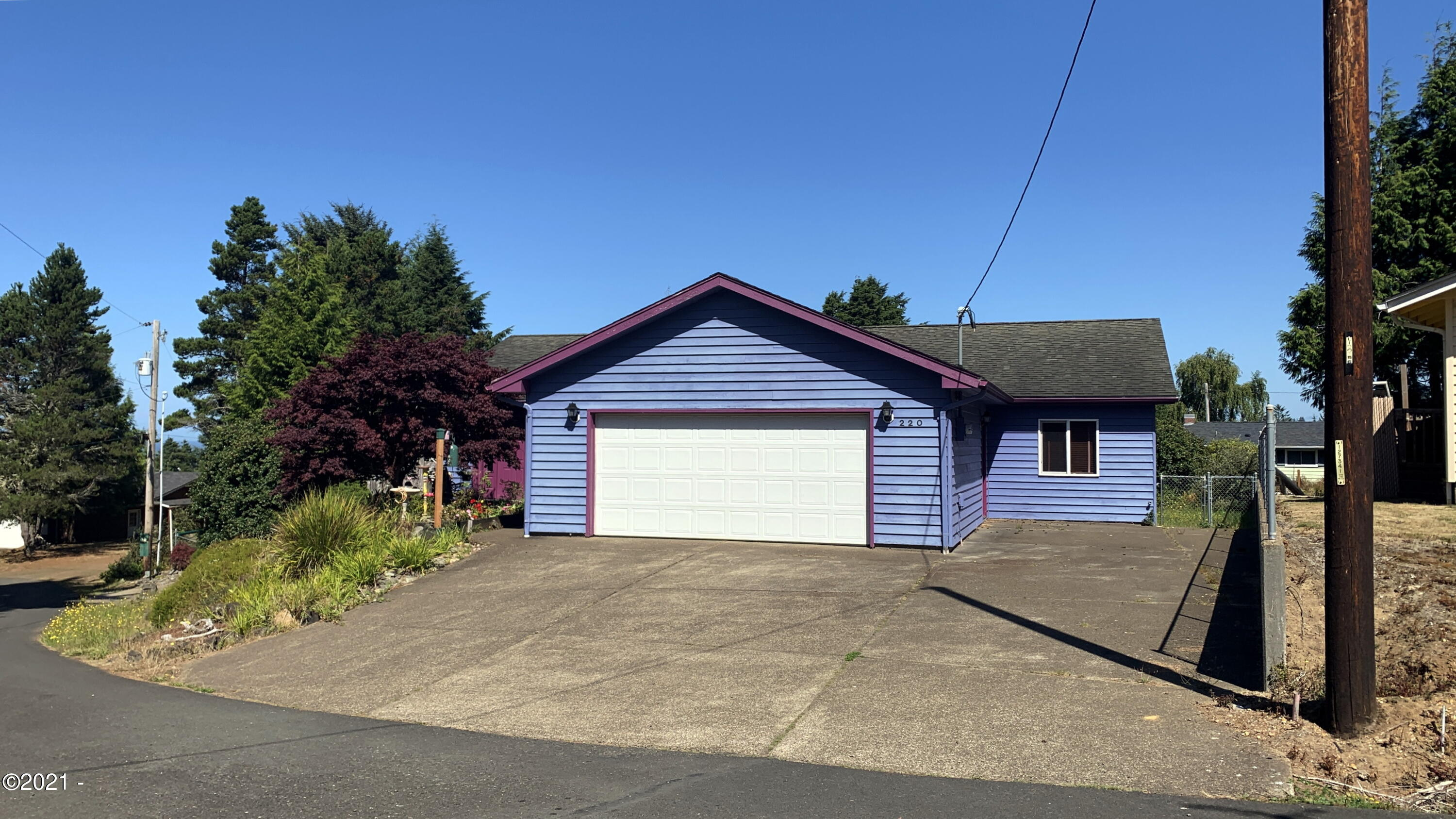 220 SW View Dr, Waldport, OR 97394 - Front
