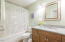 5745 El Mesa Ave, Lincoln City, OR 97367 - Master bath #2