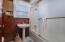 1905 NE 58th St, Lincoln City, OR 97367 - Bathroom
