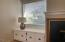 1123 SW 10th St, Lincoln City, OR 97367 - Built-ins