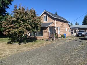 210 NW James Franks Ave, Siletz, OR 97380 - house