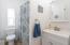 75 Seagrove Loop, Lincoln City, OR 97367 - Guest bath