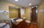 2480 SW Anchor Ave, Lincoln City, OR 97367 - Main level bath