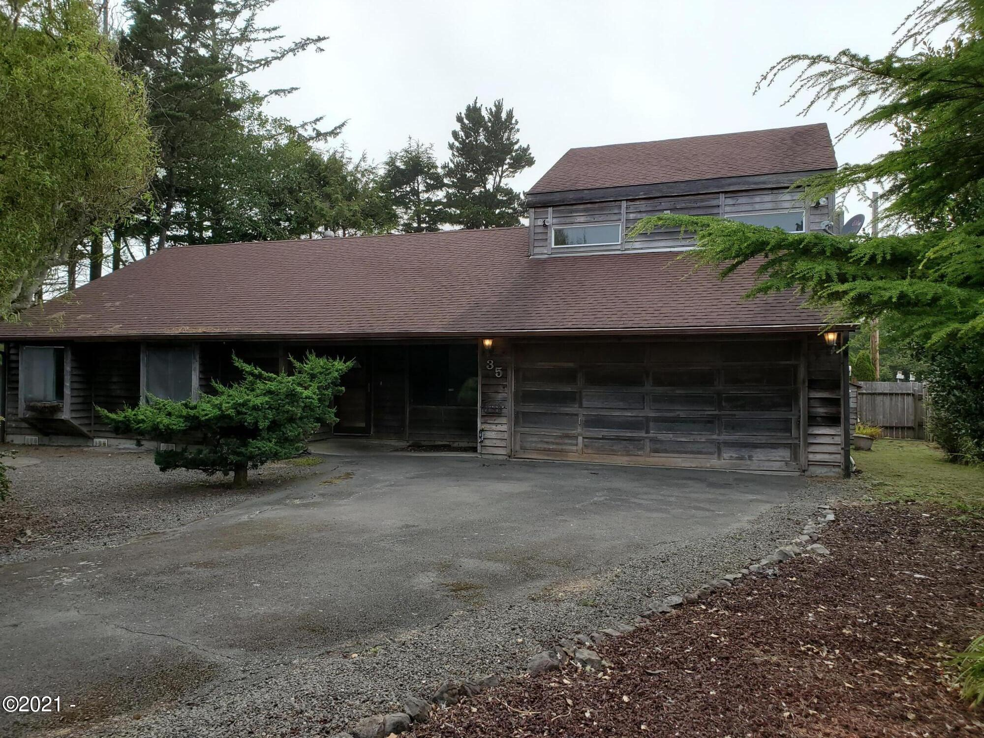 35 Spruce Ct, Depoe Bay, OR 97341 - Front of House