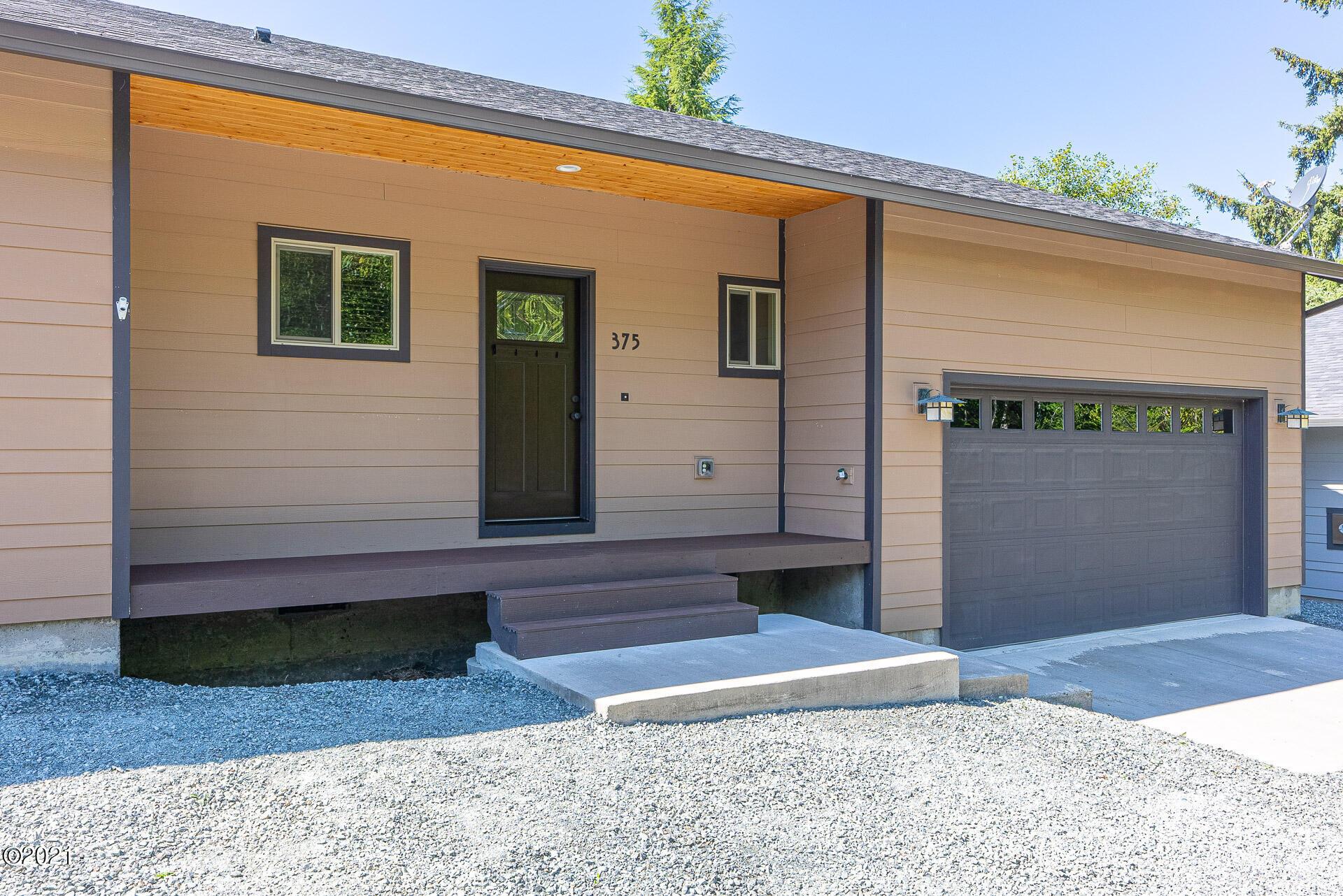 375 N Juniper Ct, Rockaway Beach, OR 97136 - Front of House