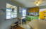 315 SW 29th St, Newport, OR 97365 - Kitchen