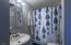 315 SW 29th St, Newport, OR 97365 - Bathroom #2